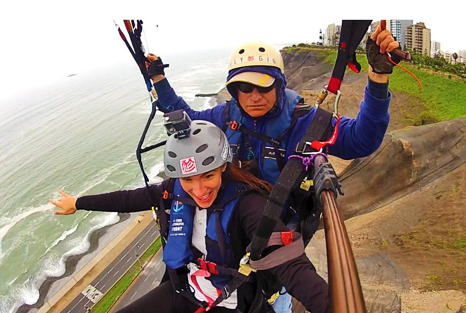 Lyndsay Paragliding in Lima