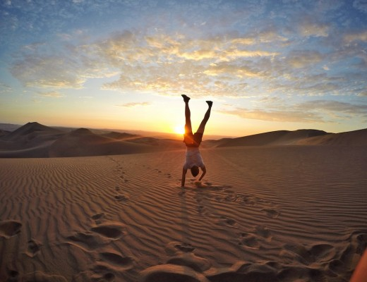 Jake Handstand Huacachina